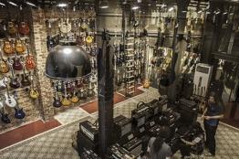 İstanbul, Beyoğlu (Çinili Han) Gitar Konsept Mağazası, Fotoğraf: (2/3)