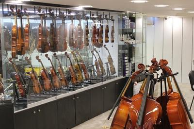İstanbul, Beyoğlu (Tünel) Piyano Mağazası, Fotoğraf: (2/5)