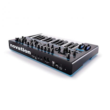 Novation Bass Station II Analog Synthesizer<br>Fotoğraf: 3/4