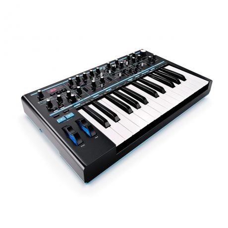 Novation Bass Station II Analog Synthesizer<br>Fotoğraf: 2/4