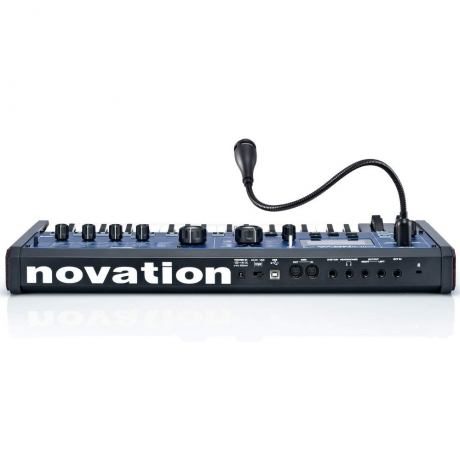 Novation MiniNova Analog Modeling Sythesizer<br>Fotoğraf: 4/4
