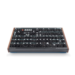 Novation Peak Polifonik Desktop Synthesizer